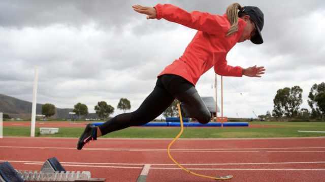 华裔独腿女美国飞翔:400米世界最快