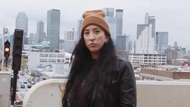声音恐怖的死核女歌手:从小被霸凌