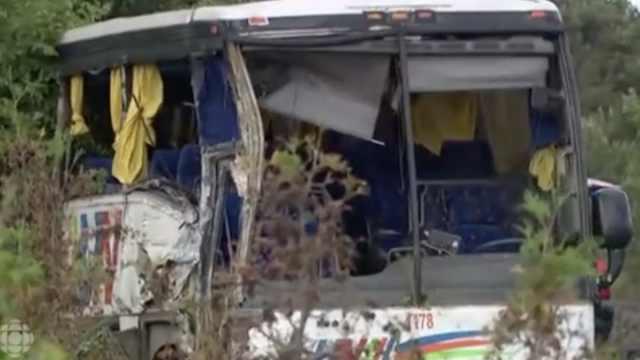 加拿大车祸现场:4中国人伤势严重
