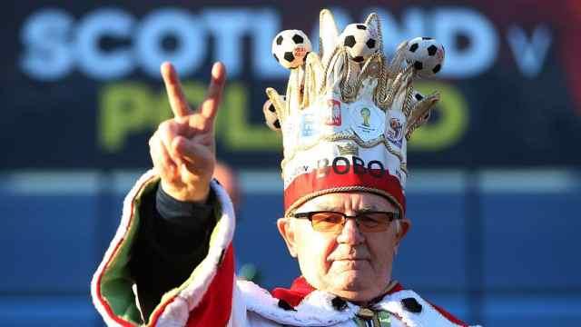 78岁球迷王:40年现场看世界杯135场