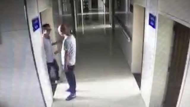 惯犯装病人家属,病房盗窃被抓现行