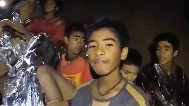 泰国12名足球少年和教练全部获救