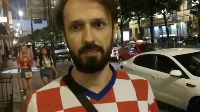 克球迷:我到处跟人说英格兰进决赛