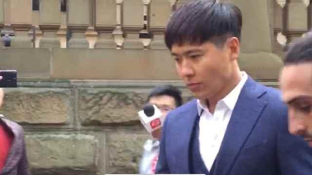 保释后首次开审,高云翔亲自出庭