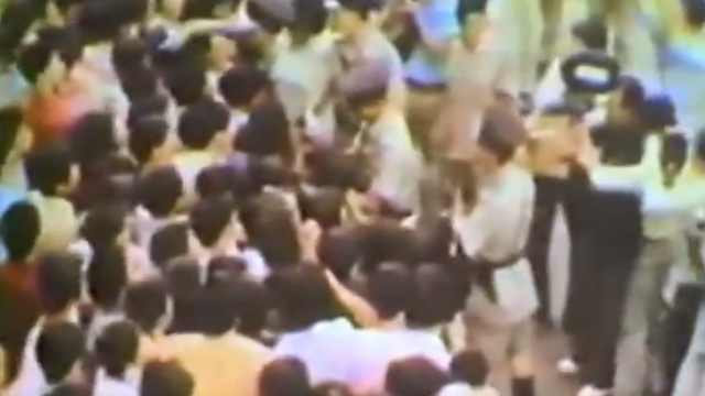 45年前李小龙举殡现场,3万人送行