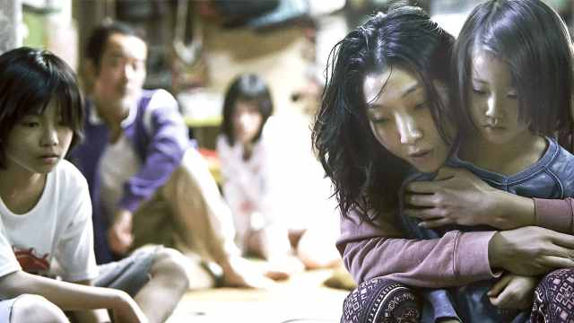 李健献唱小偷家族推广曲《故乡》