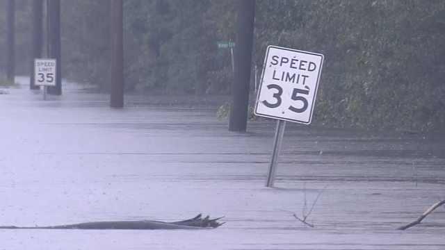 美佛罗伦萨飓风,目前已致17人死亡