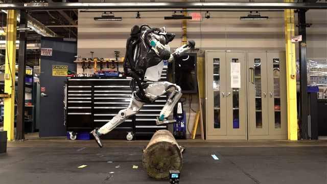 开眼界!机器人竟会跑酷,姿势超帅