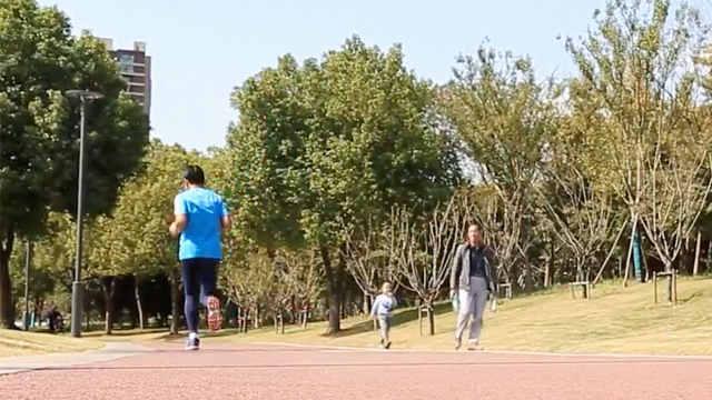 72岁马拉松爷爷坚持跑步48年