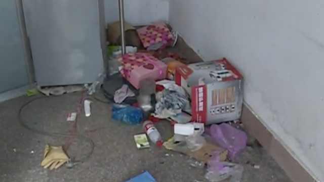 傻眼!租客退房满地垃圾,厕纸都没扔