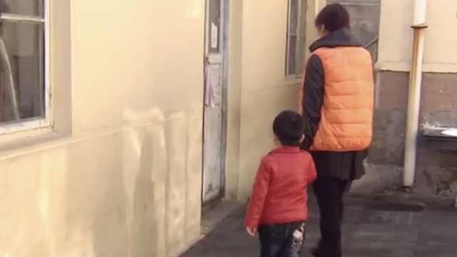 3岁娃磕碎俩门牙,家长索赔幼儿园