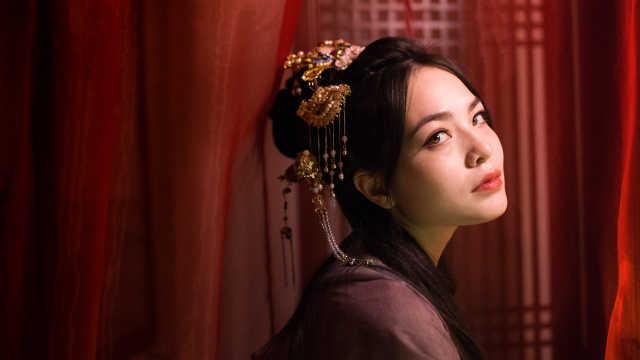 混血美女会五国语言:最喜欢中国人