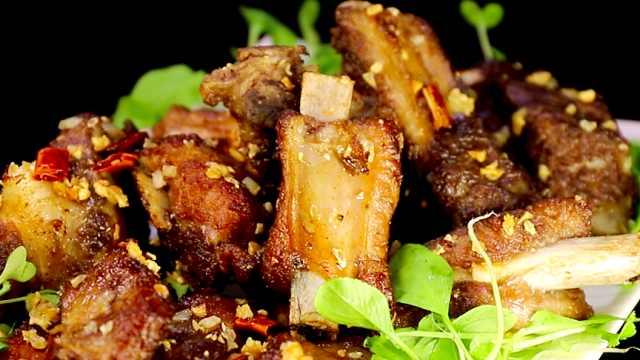 排骨最好吃的做法之——蒜香排骨