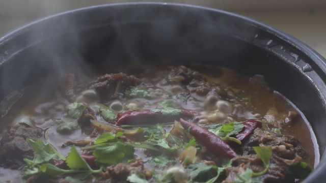 羊蝎子火锅,冬天在家可以煮来尝尝