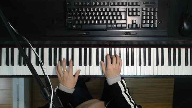 汽水女孩新歌《绿色》钢琴弹唱教学