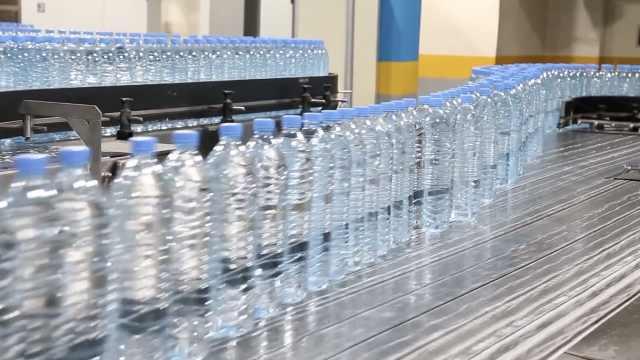 新研究:每人每年摄入7万塑料微粒