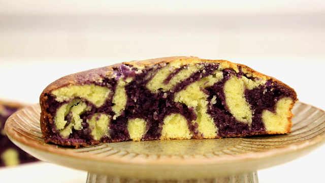 欣赏蓝莓酸奶蛋糕的正确视角