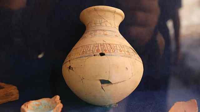 埃及出土3500年前葬礼装饰品工厂