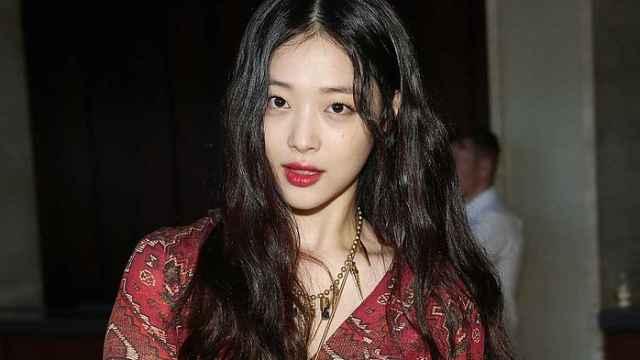 韩国女艺人雪莉死亡,暂未发现遗书
