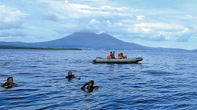 三名中国游客在印尼万丹潜水失踪