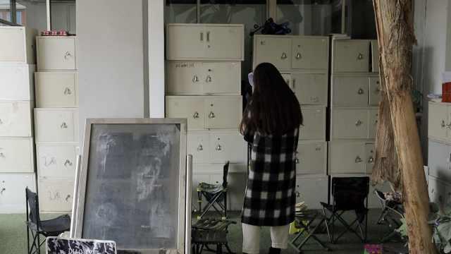 搬书费事!高校为考研生配1200书柜