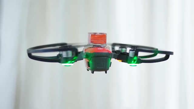 首款消费级无人机降落伞!