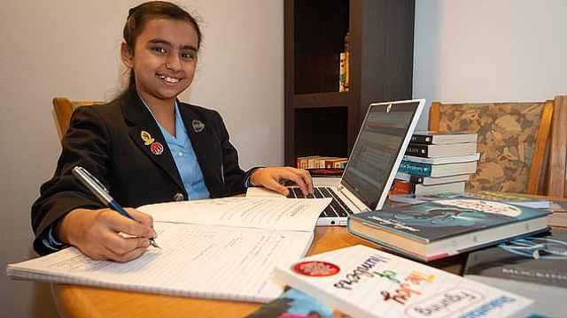 IQ162!英国10岁女孩智商堪比霍金