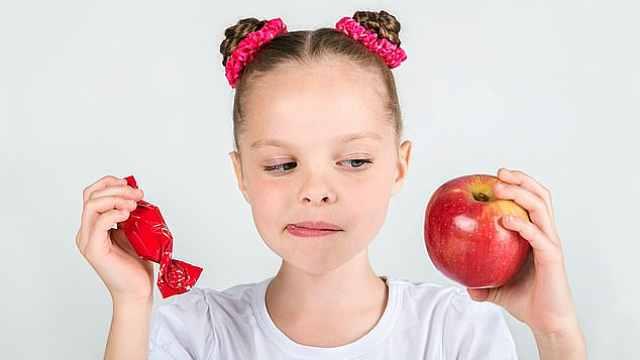 让孩子看蔬菜图片,两周后奇迹出现