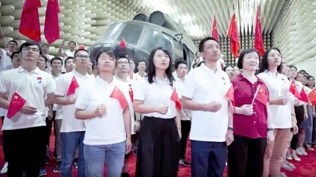 北京航空航天大学歌唱《我的祖国》
