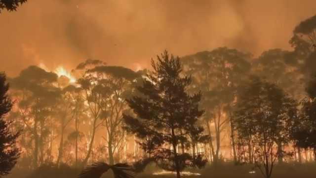 强风高温,澳洲24万人因山火待撤离