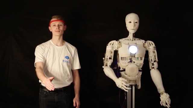 马斯克将展示脑机接口设备,中国团队发布大脑智能操控系统