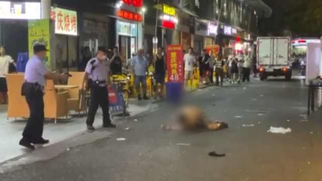 男子持刀袭警被民警开枪制服,送医抢救无效身亡