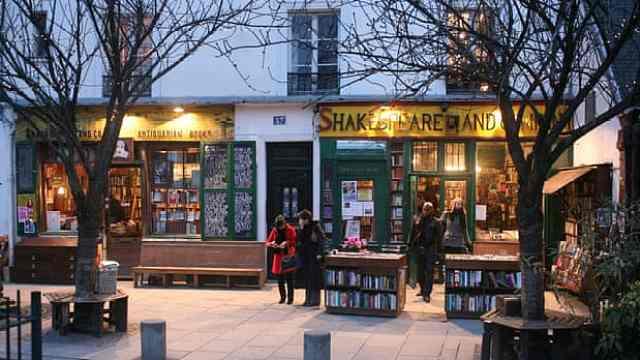 因疫情营收下降80%,巴黎地标书店百年来首次向读者呼救
