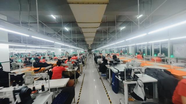 中国工厂动起来,航拍看千条产业带