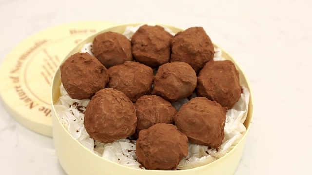基础松露巧克力:黑松露是贵的,松露巧克力却不一定