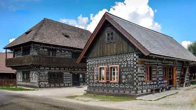 斯洛伐克的奇奇马尼木屋
