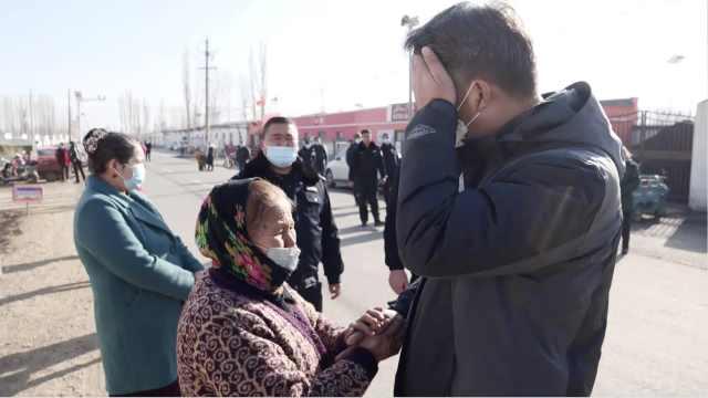 新疆驻村干部4年帮全村脱贫,离开时村民拥抱落泪夹道送别