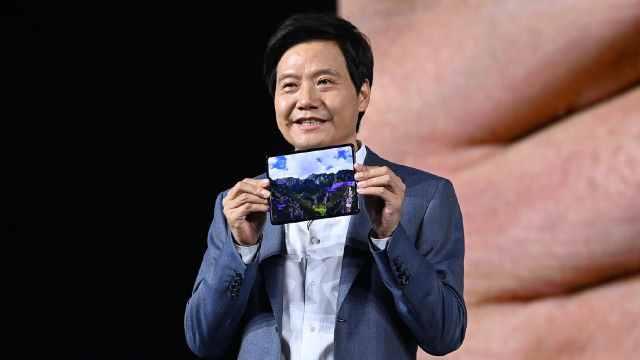小米折叠屏手机MIX FOLD发布,激进探索者泯然商务跟风者?