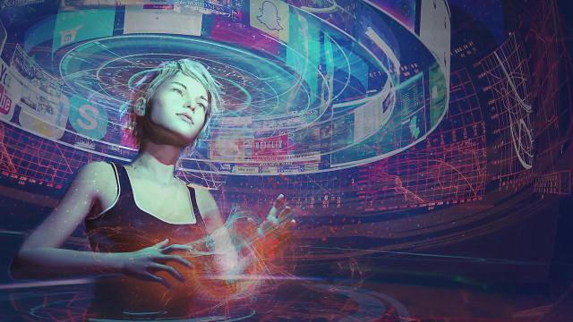 世界首个大脑意念控制虚拟现实头盔