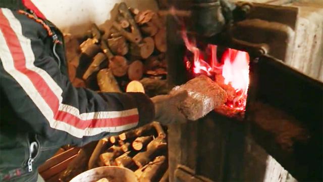 世界上最牛的国家,靠烧钱来取暖