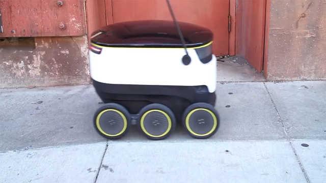 人工智能太可怕!吃的都让机器人送