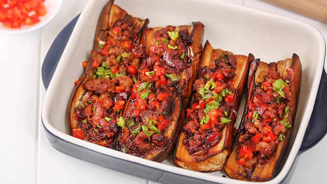 茄子就该连皮吃,蒜香肉末烤茄子