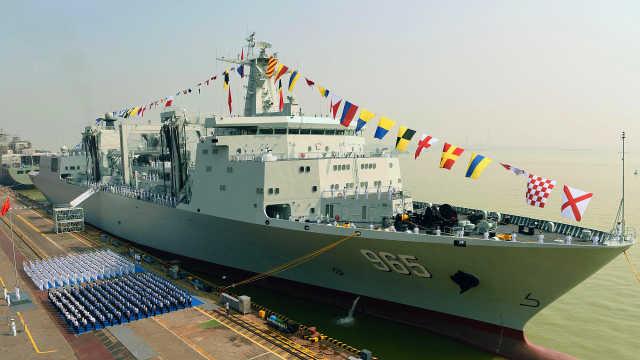 中国航母超级奶妈终于上岗