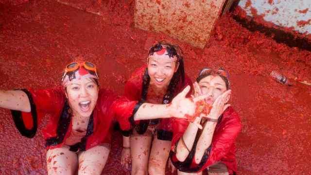 国外疯狂节日,100多吨番茄随意玩