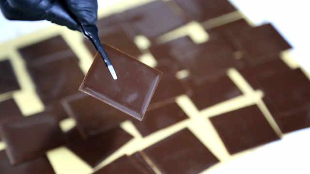 黑巧克力调温,看一遍学不会,得练