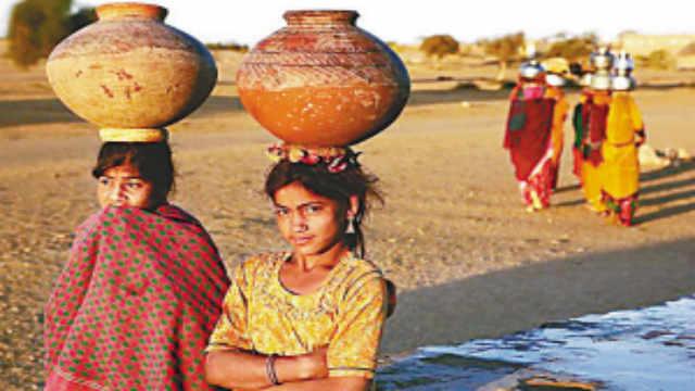 为什么印度人喜欢把东西顶在头上?