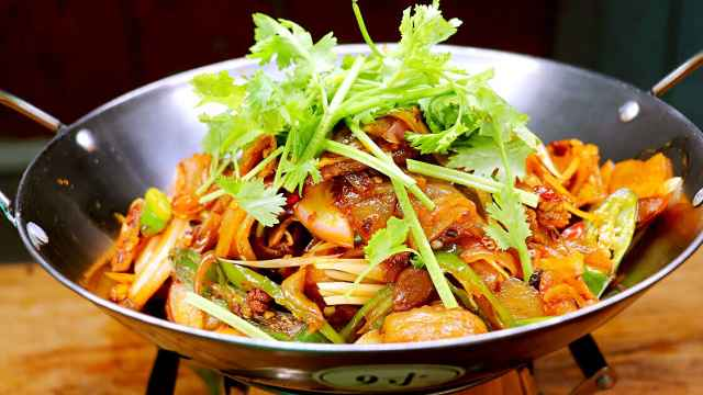 干锅土豆片在家做,色香味美有食欲