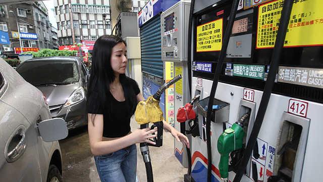 50升的油箱,为什么加油站加出55升