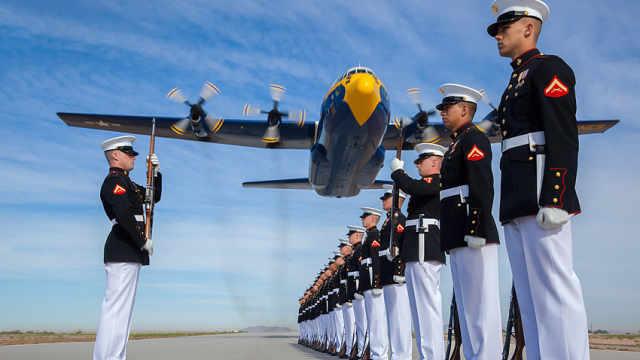 美国军费开支剧增 要备战了?