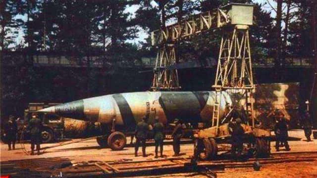 最早的弹道导弹:V-2导弹